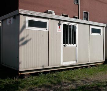 Servizio noleggio di strutture prefabbricate for Noleggio cabina di steamboat